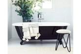 00-banheiro-escuro-e-renovado-com-paleta-preta-e-branca
