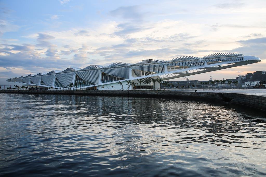 00c-com-projeto-de-santiago-calatrava-museu-do-amanha-e-inaugurado-no-rio