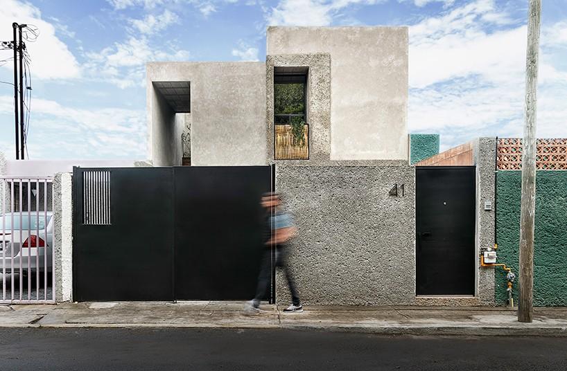 01-apos-reforma-casa-no-mexico-tem-espacos-para-morar-e-trabalhar
