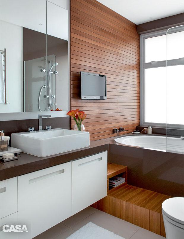 01-banheiro-pequeno-com-hidromassagem-para-relaxar
