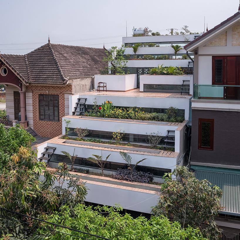 01-casa-no-vietna-tem-nove-terracos-verdes-escalonados