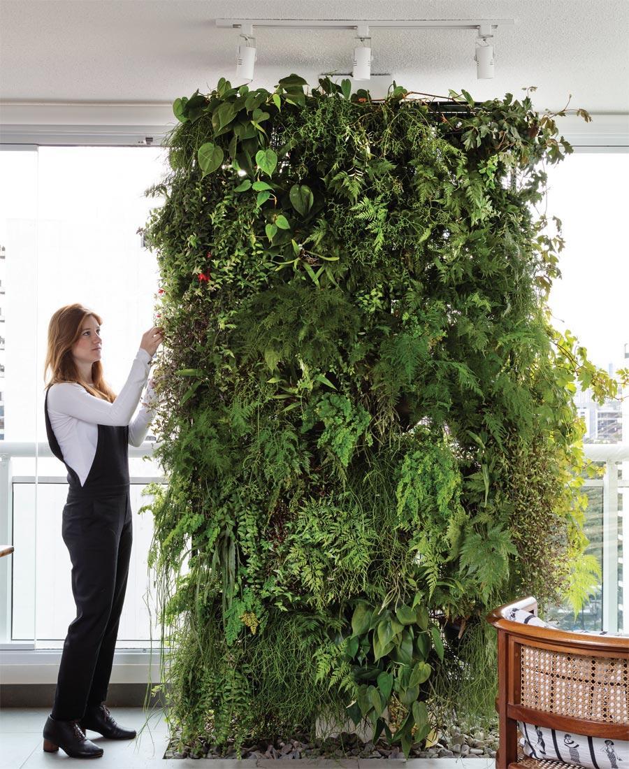 01-jardim-vertical-que-tal-cobrir-a-parede-de-verde