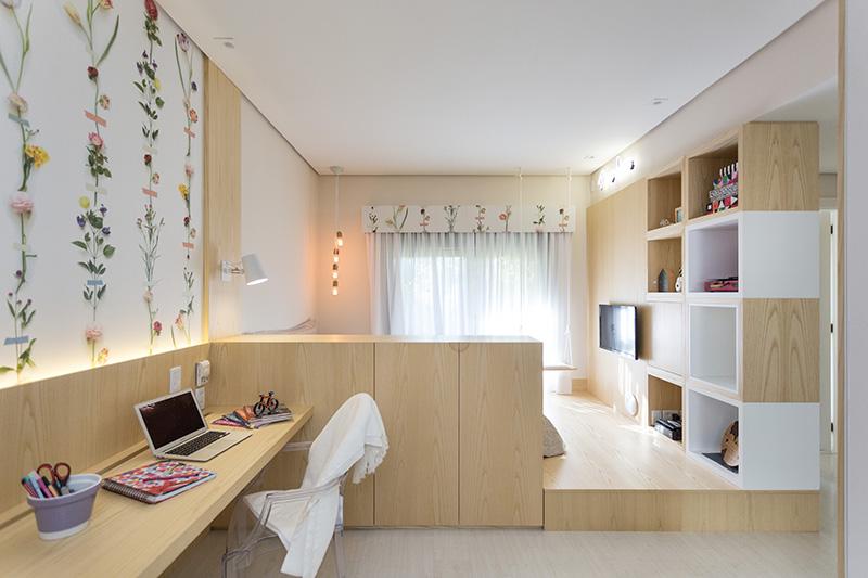 01-quarto-para-descansar-e-estudar-com-decor-florido