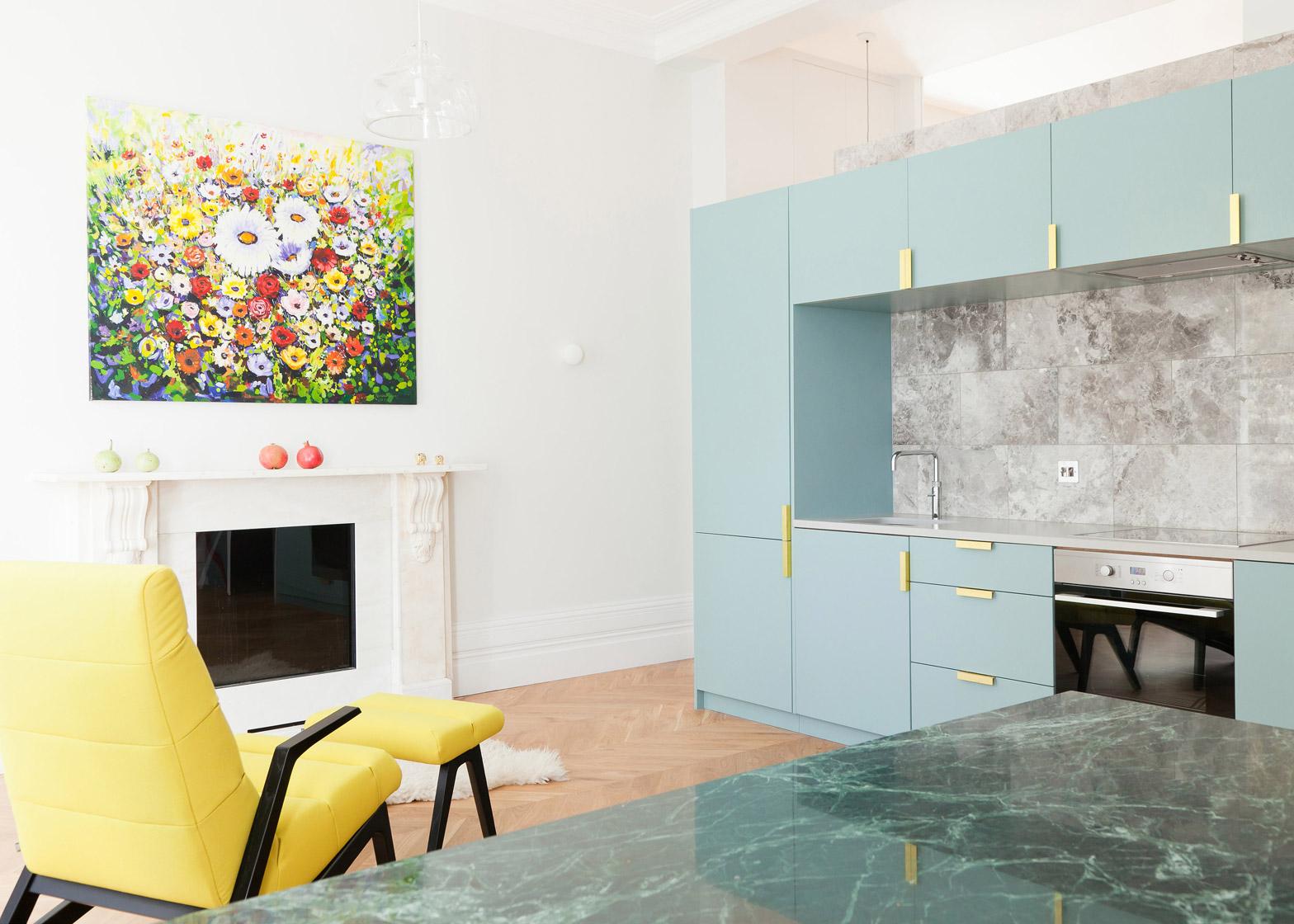 02-arquitetos-modernizam-apartamento-de-45-m2-em-terraco-vitoriano