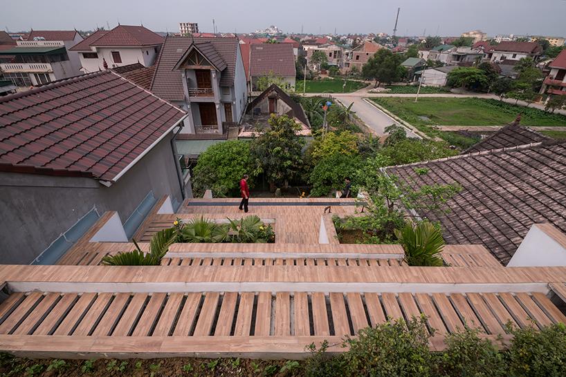 02-casa-no-vietna-tem-nove-terracos-verdes-escalonados