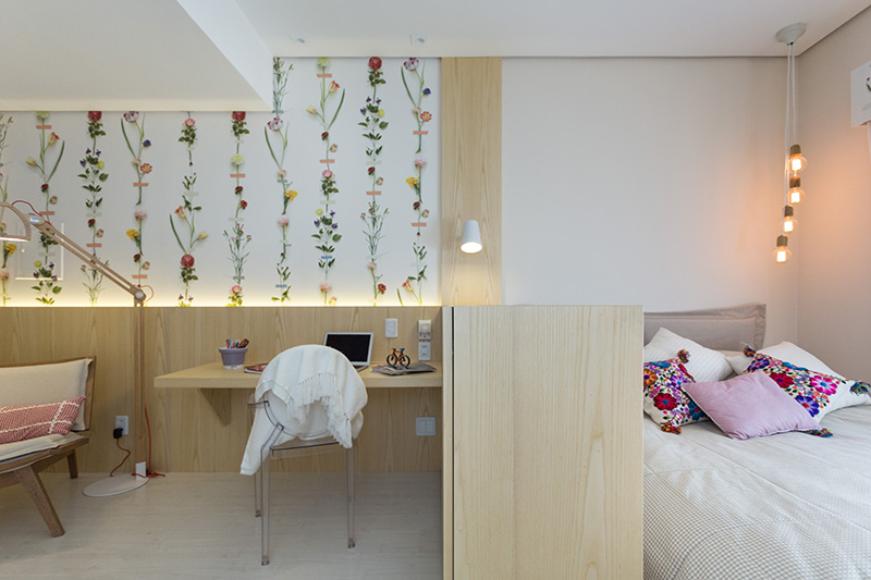 02-quarto-para-descansar-e-estudar-com-decor-florido