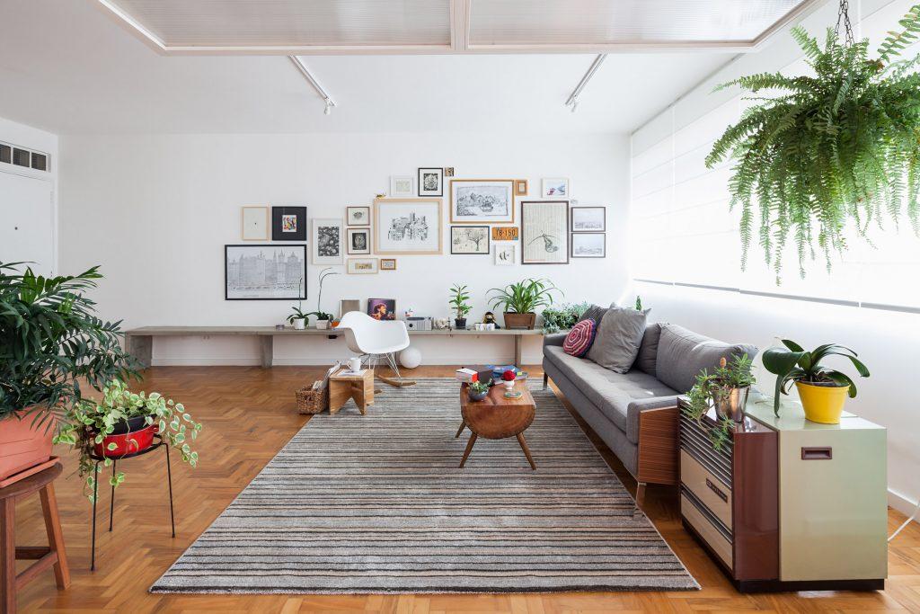 03-apartamento-de-ilustradora-se-torna-aberto-e-iluminado