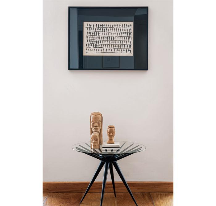 04-apartamento-de-300-m2-cheio-de-moveis-assinados-e-obras-de-arte
