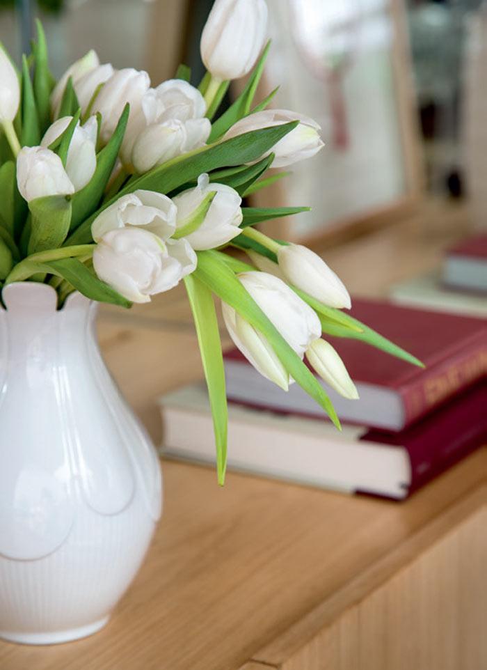 04-apartamento-grande-no-rio-e-luminoso-e-tem-decor-suave-e-elegante