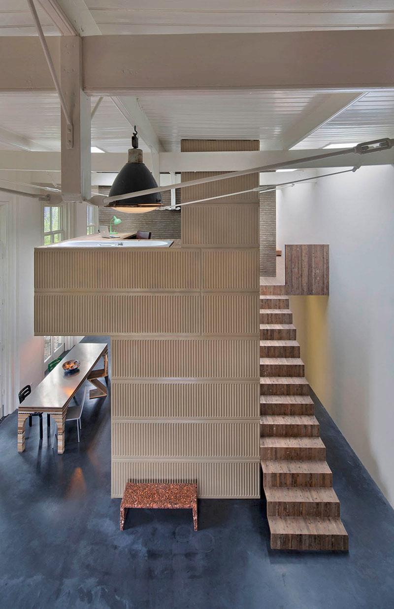 04-arquiteto-transforma-cocheira-do-seculo-19-em-sua-casa-e-escritorio