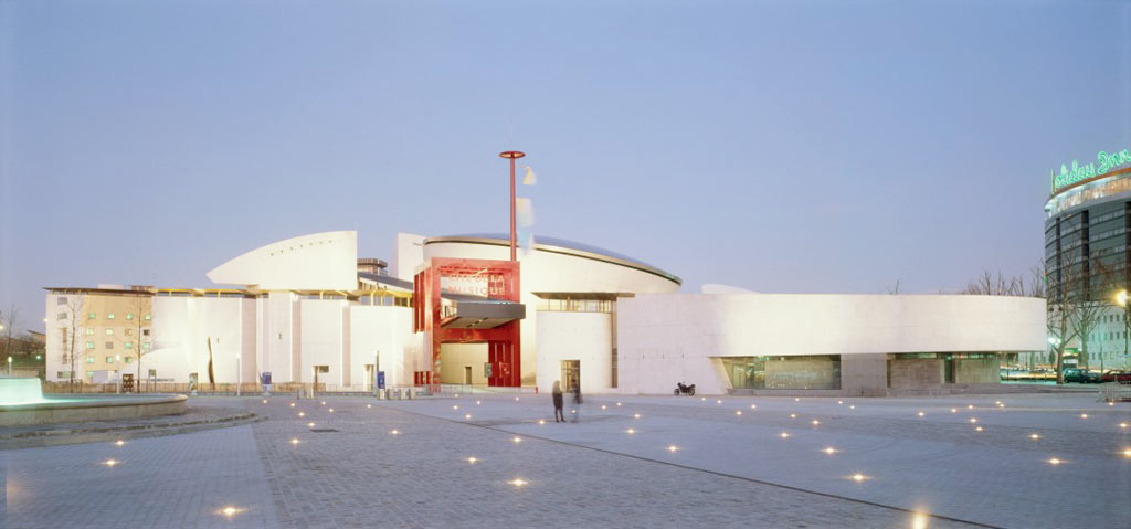 04-arquitetura-moderna-e-contemporanea-em-paris
