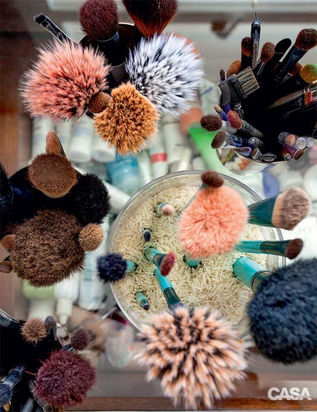 04-blogueira-tem-um-banheiro-ideal-para-fazer-maquiagem