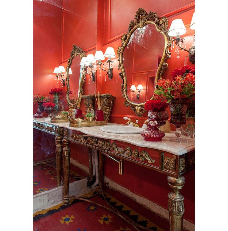 04-espelhos-que-roubam-a-cena-nestes-banheiros