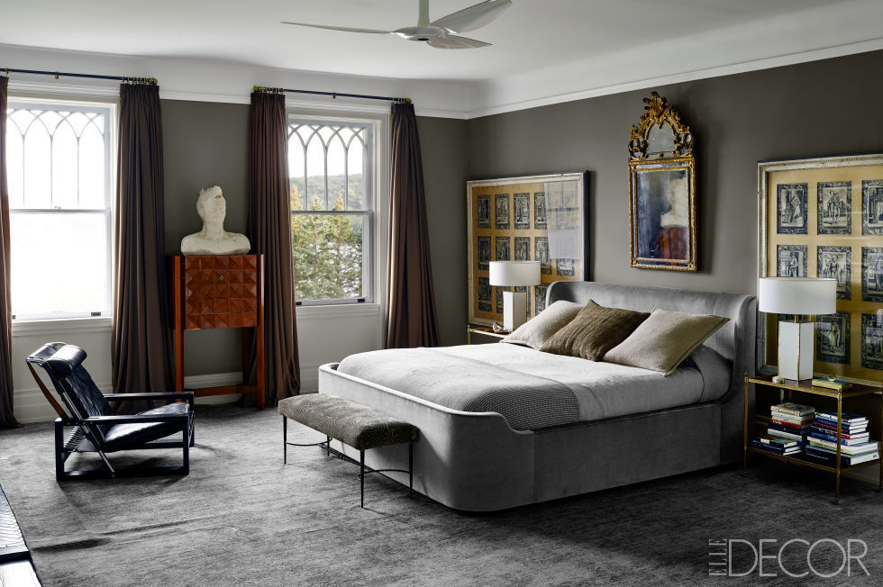 04-quarto-cinza-escuro-com-cama-sob-medida-lã-de-cabra-angorá-Douglas Friedman