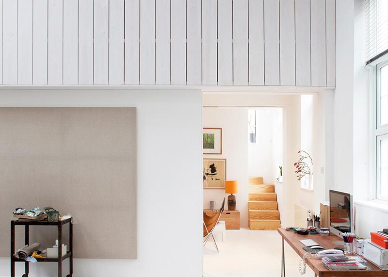 05b-galpoes-transformados-em-casas-casa-de-um-pintor