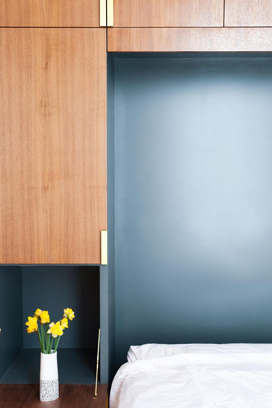 06-arquitetos-modernizam-apartamento-de-45-m2-em-terraco-vitoriano