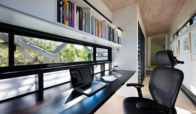 06-home-offices-que-se-encaixaram-no-corredor-escritorio