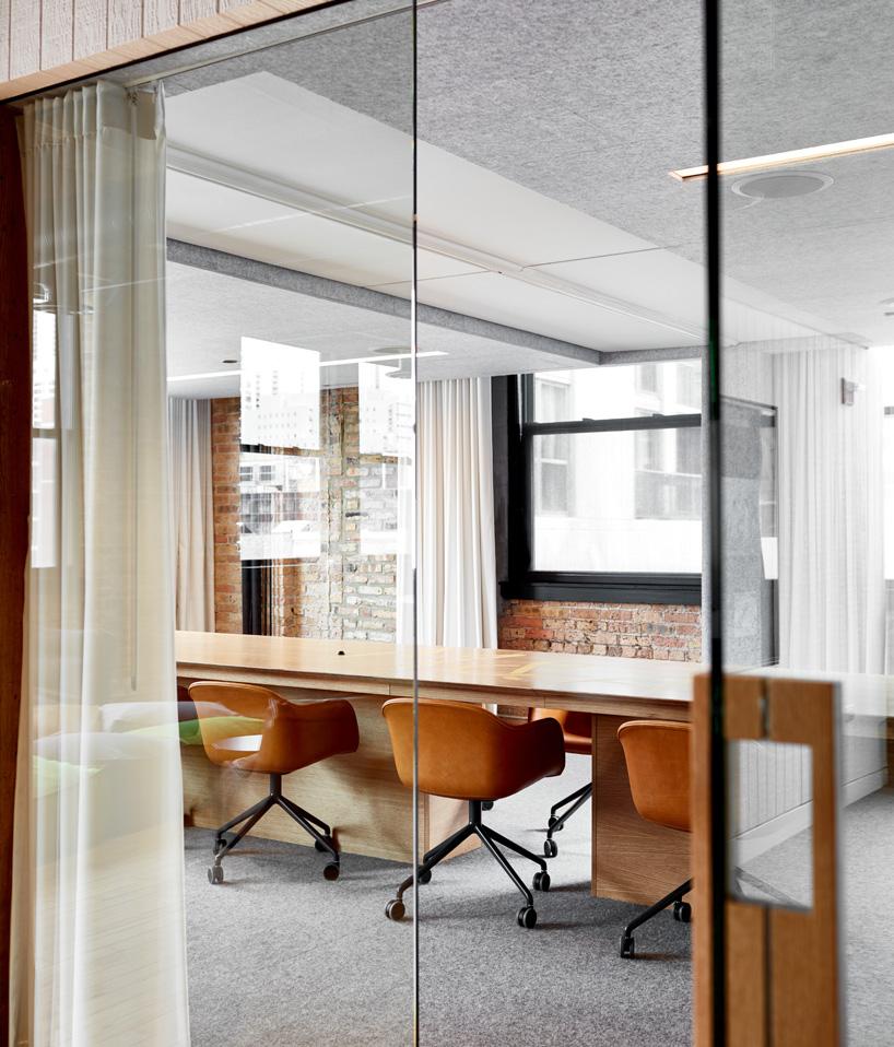 11-arquitetos-desenvolvem-espacoso-escritorio-em-chicago