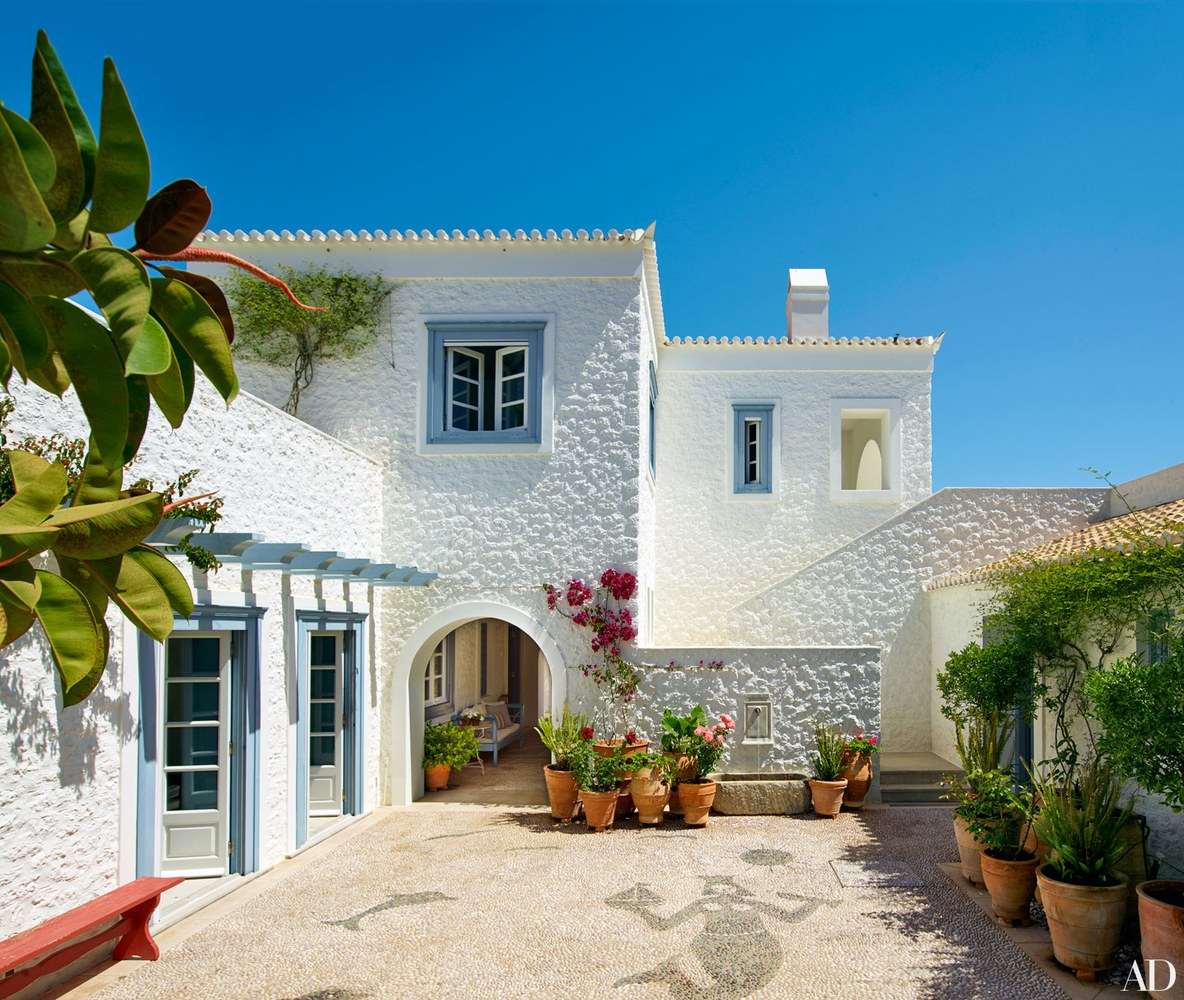 1-visita-guiada-casa-de-ferias-grega-investe-no-azul-claro-praiano