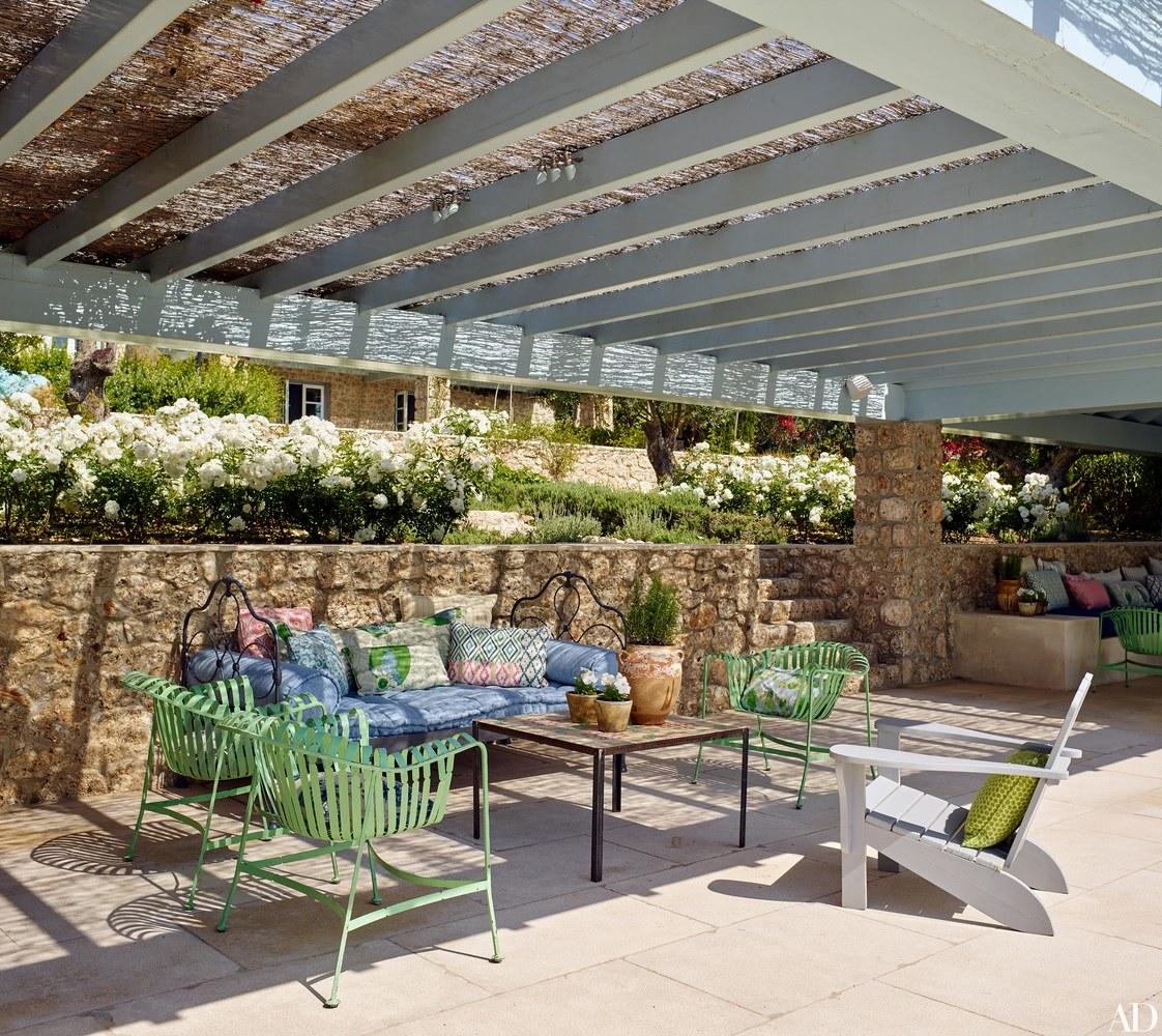 11-visita-guiada-casa-de-ferias-grega-investe-no-azul-claro-praiano