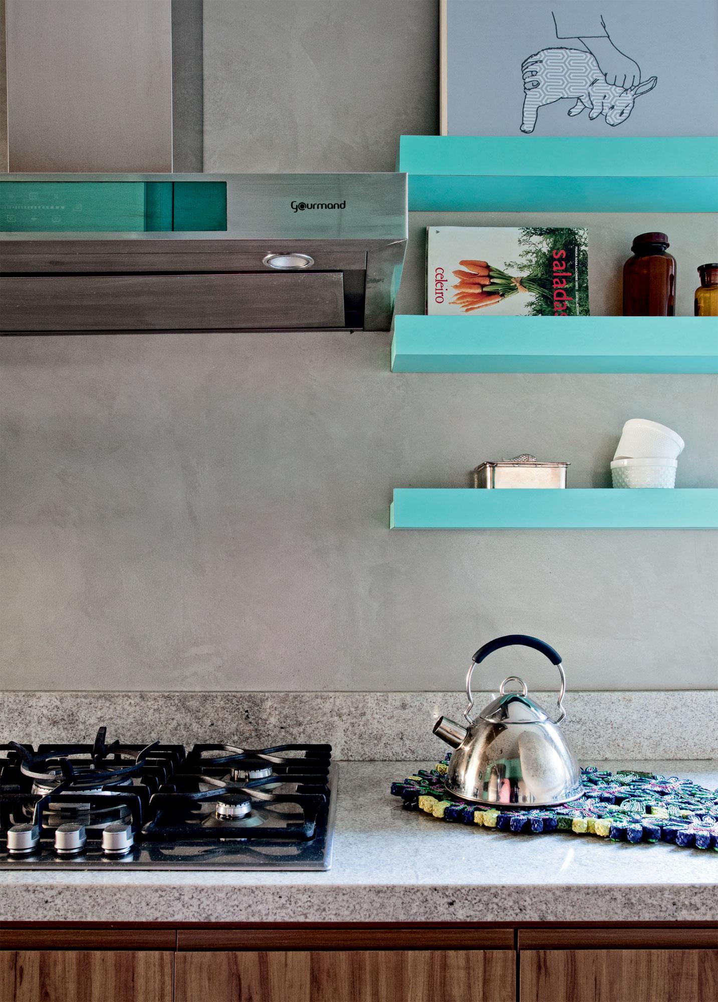 128-cozinha-em-turquesa-e-cinza-com-ceramicas-que-imitam-tijolos-8