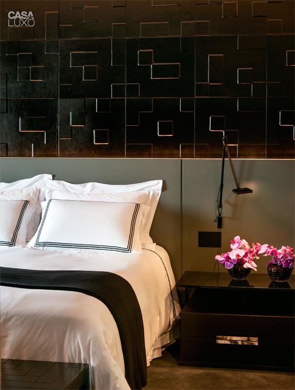 13-duplex-tem-texturas-da-parede-ao-teto-e-belas-obras-de-arte