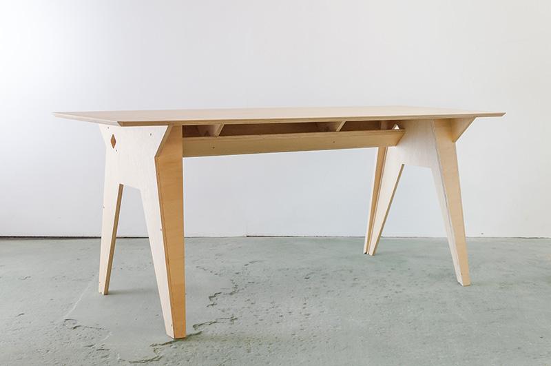 13-mobiliario-1-lugar-prototipo-mesa-45-graus