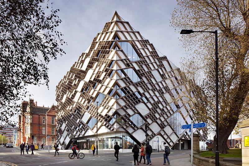14-edificios-com-fachadas-incriveis-e-criativas