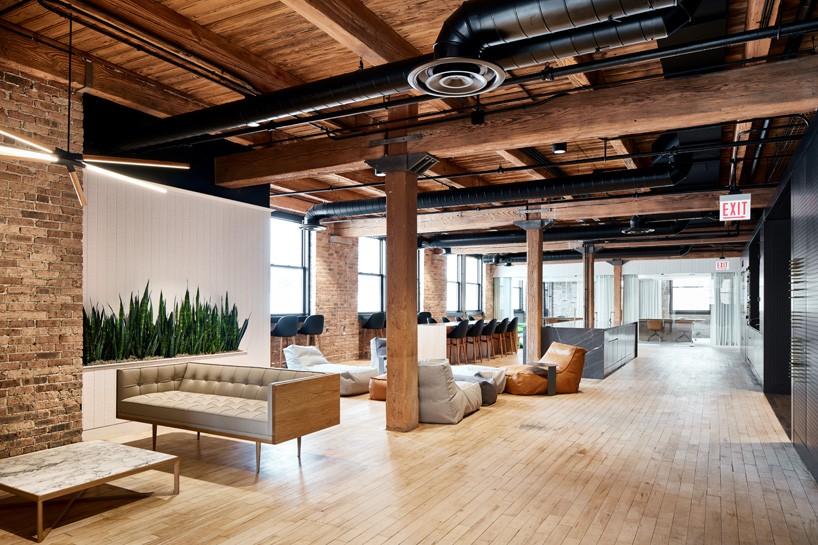 2-arquitetos-desenvolvem-espacoso-escritorio-em-chicago