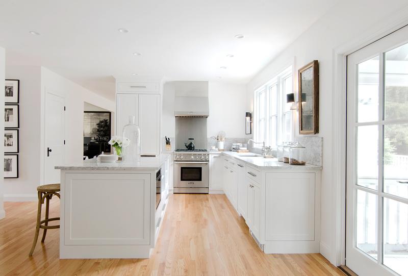 2-inspiracao-do-dia-cozinha-em-tons-neutros-mistura-madeira-e-marmore