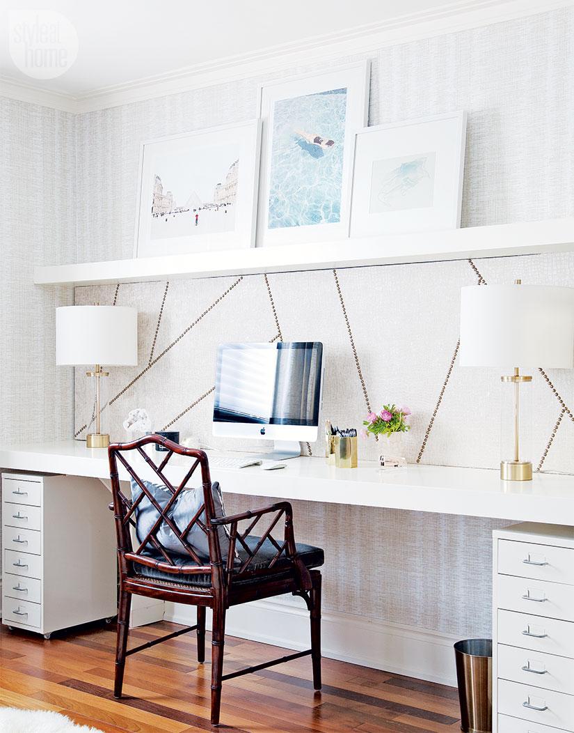 3-inspiração-do-dia-sala-de-tv-aconchegante-com-home-office