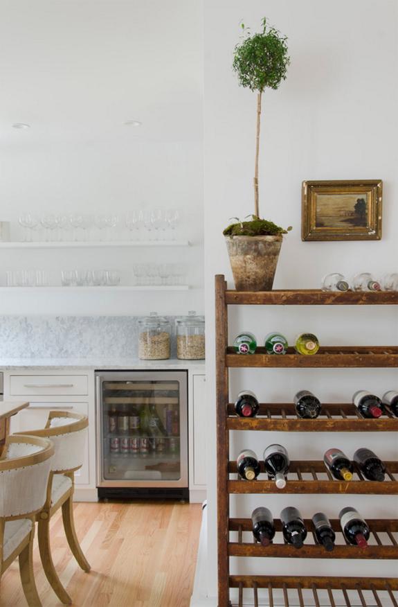 4-inspiracao-do-dia-cozinha-em-tons-neutros-mistura-madeira-e-marmore