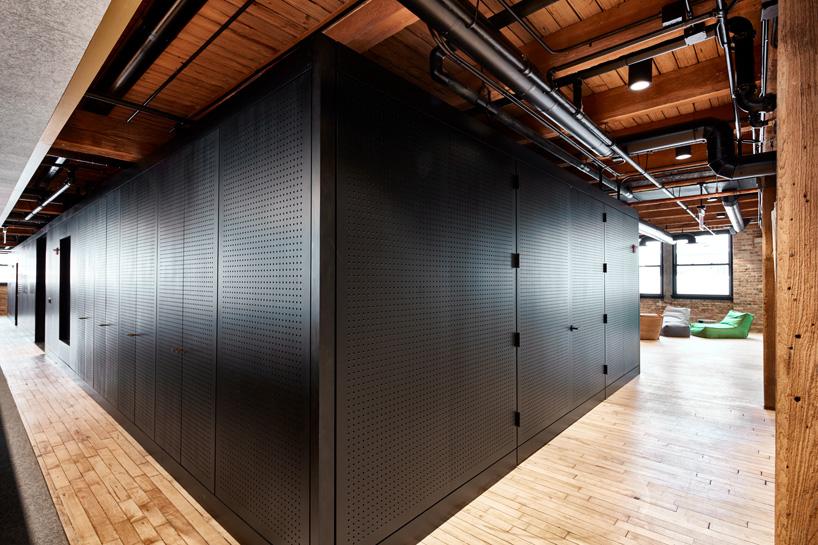 5-arquitetos-desenvolvem-espacoso-escritorio-em-chicago