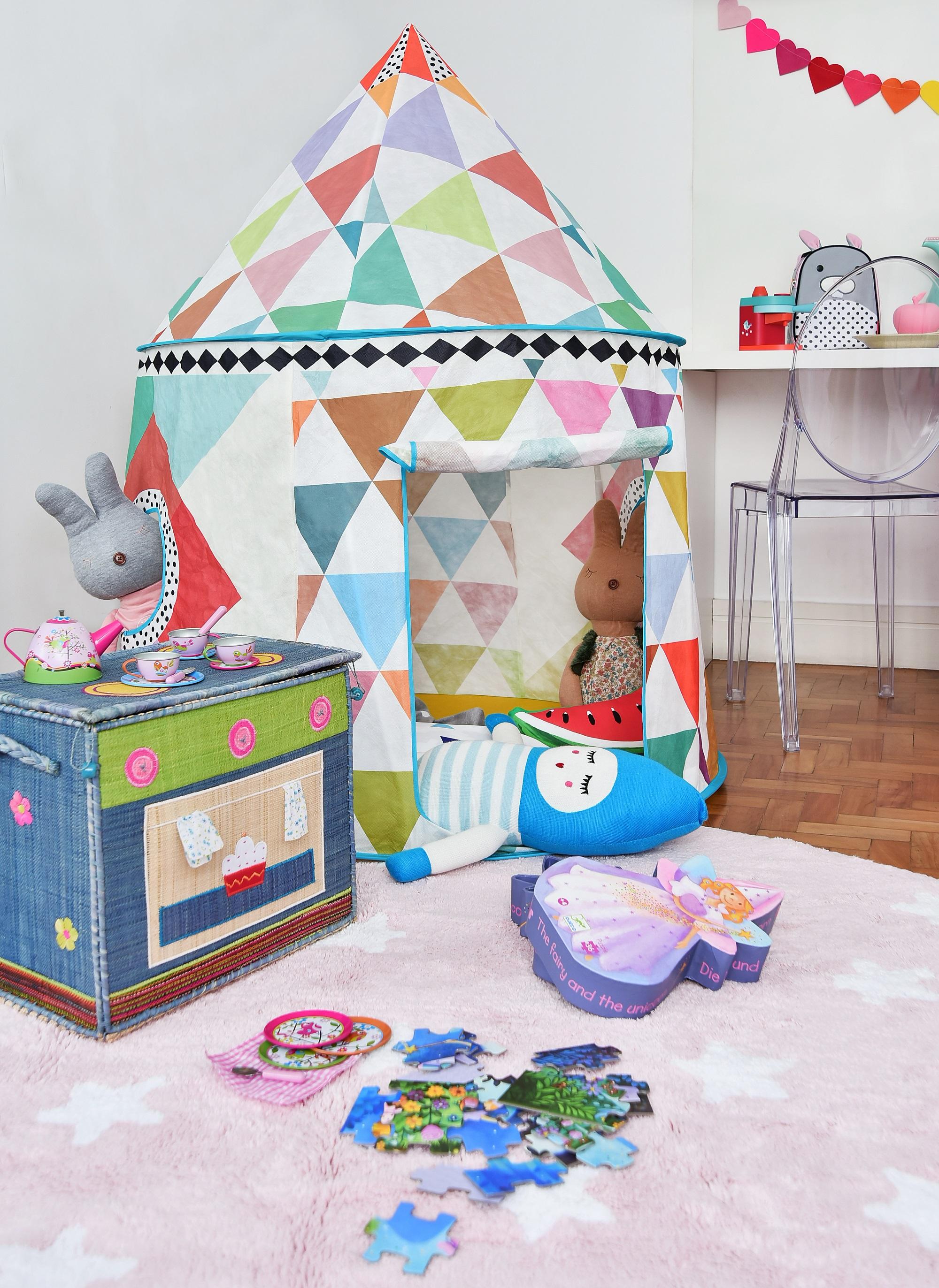 5-inspiracao-do-dia-quarto-infantil-colorido-com-area-destinada-a-diversao