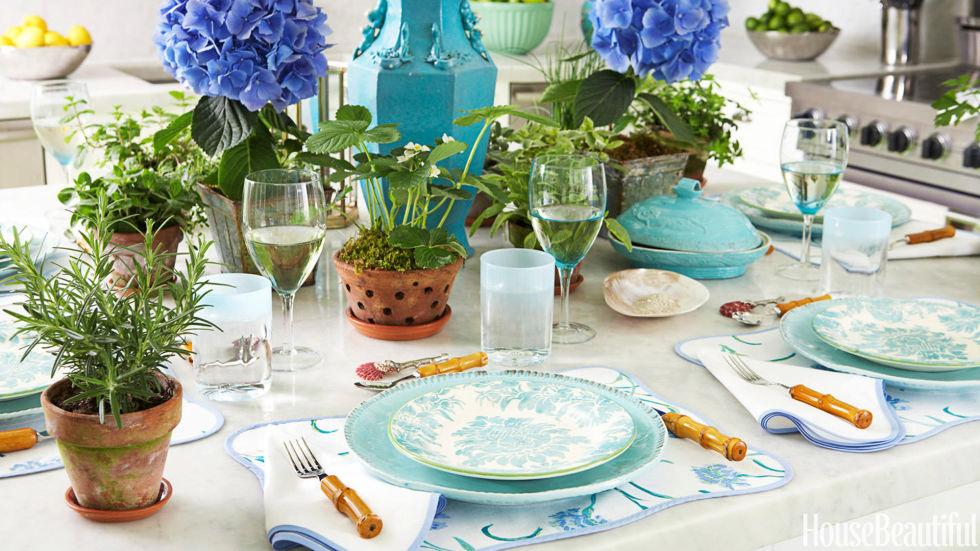 5-mesa-para-brunch-com-louça-azul