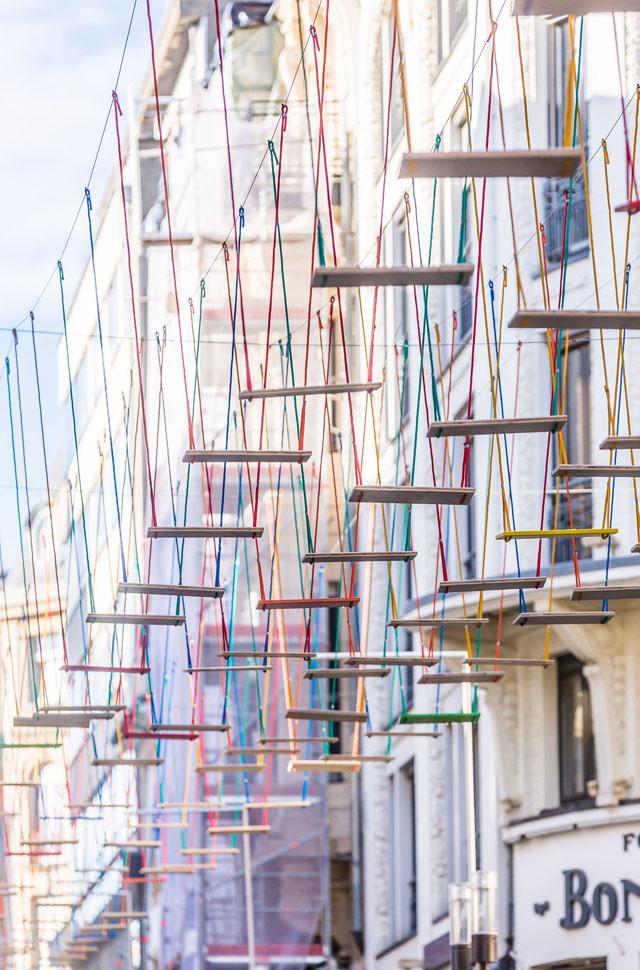 5-obra-com-balanços-coloridos-em-luxemburgo
