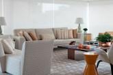 apartamento-grande-e-todo-decorado-em-bege-e-caramelo