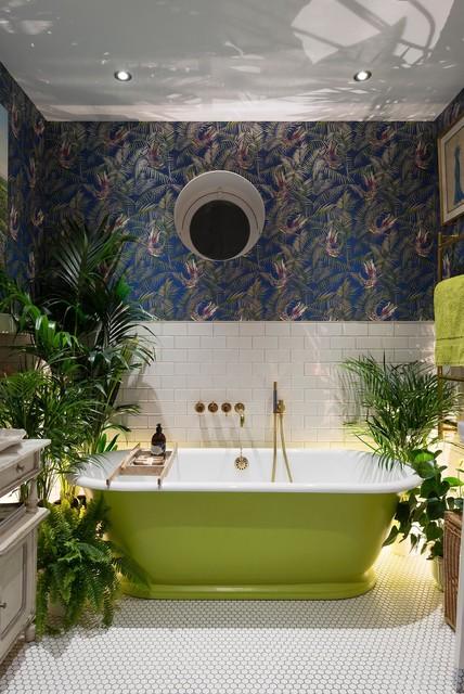 banheiro-banheira-verde-papel-de-parede-azul