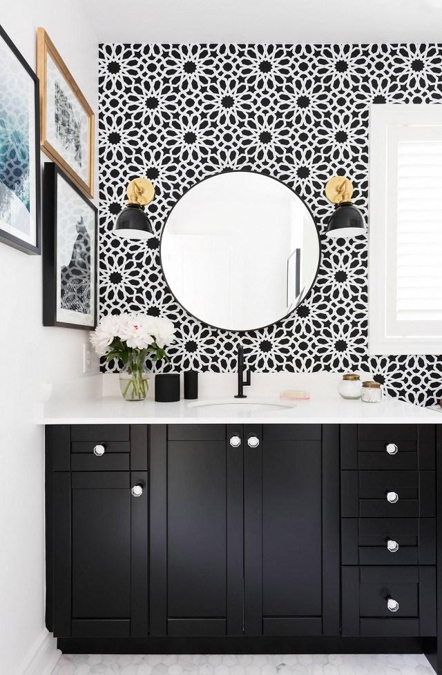 banheiro-com-papel-de-parede-estampado-Vanessa Francis