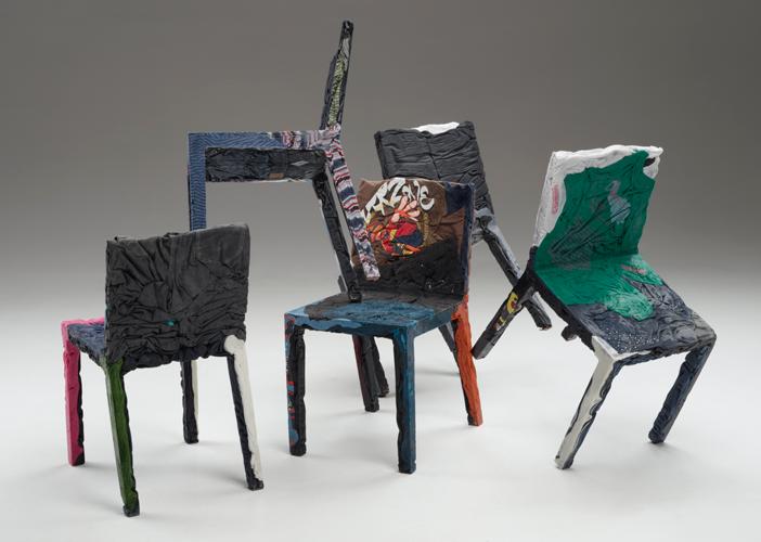 Cadeiras reutilizadas por Tobias Juretzek