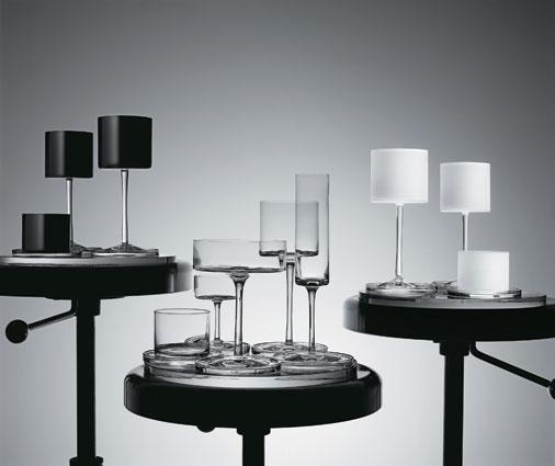 Com desenho puro e de linhas elegantes, Lagerfeld imprimiu o estilo marcante ...