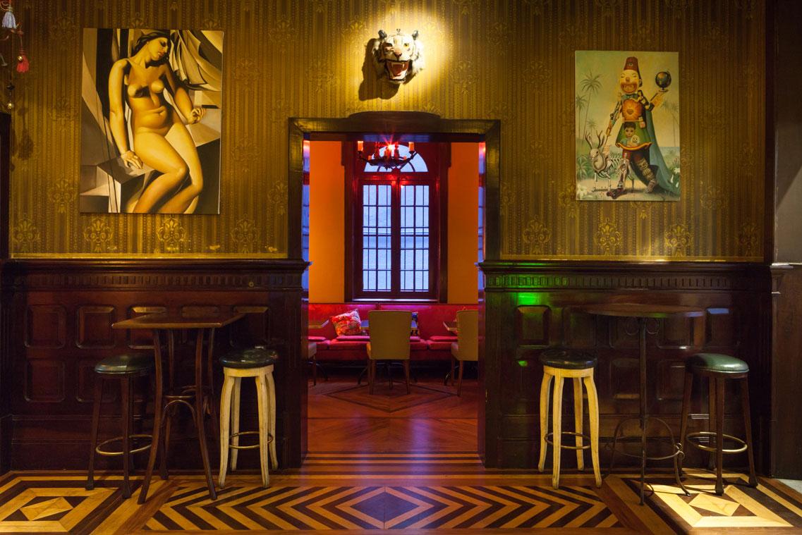 2-bar-no-centro-possui-inspiração-germânica-chinesa-e-art-déco