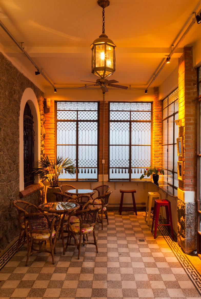 6-bar-no-centro-possui-inspiração-germânica-chinesa-e-art-déco