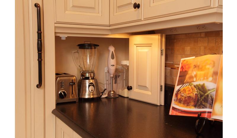 garagem-de-eletros-por-Sawhill-Kitchens