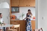 home-nova-apartamento-pequeno-integrado-e-decorado-com-moveis-de-sergio-rodrigues