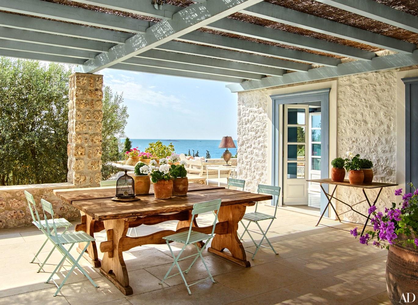 14-visita-guiada-casa-de-ferias-grega-investe-no-azul-claro-praiano