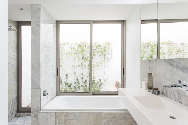 2-7-maneiras-de-adicionar-mármore-ao-banheiro