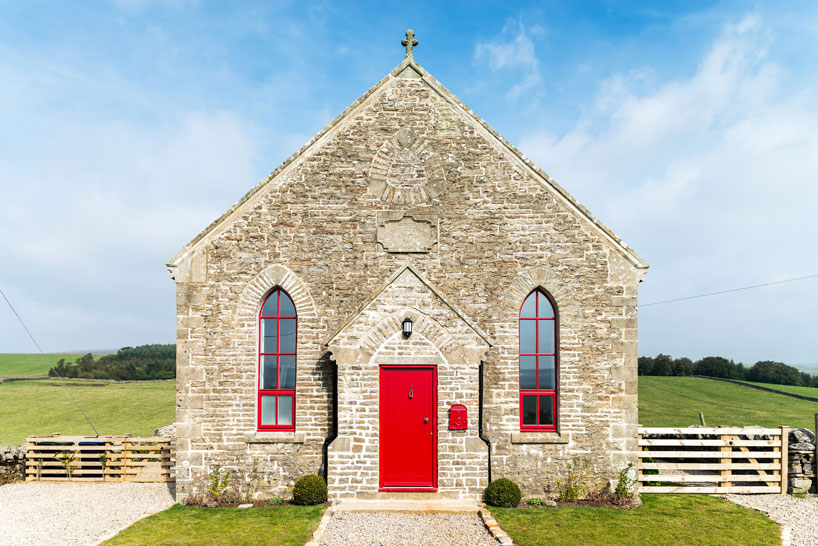 the-chapel-on-the-hill-a-boutique-chapel-conversion-evolution-design-designboom-02