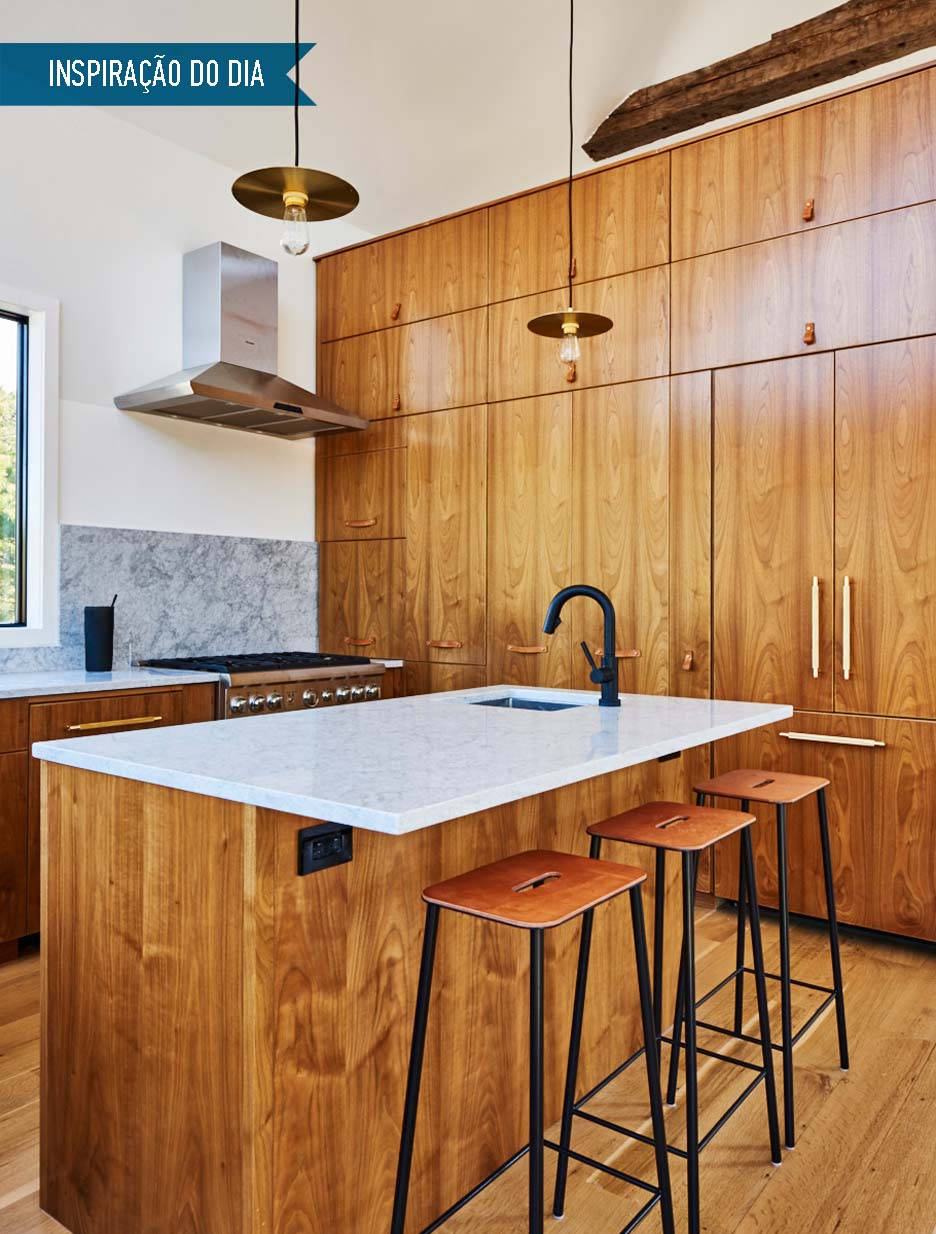 01-cozinha-com-ilha-de-madeira