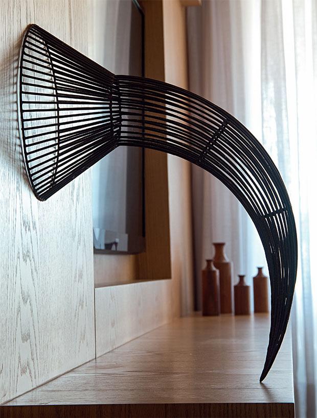 01-esculturas-de-aco-de-artista-capixaba-encantam-pelas-dimensoes